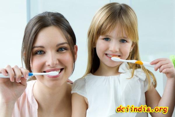 Tips Agar Bebas Bau Mulut dan Merawat Kesehatan Gigi