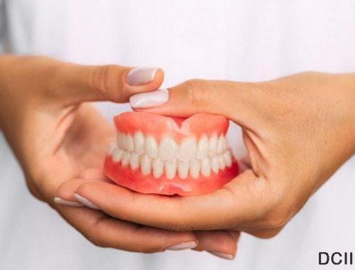 Mengenal Gigi Palsu Serta Alasan Menggunakan Gigi Palsu