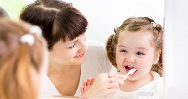 6 Metode Efisien Mengajari Anak Untuk Sikat Gigi