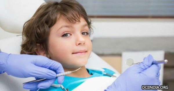 8 Kunci supaya Anak Tidak Khawatir ke Dokter Gigi